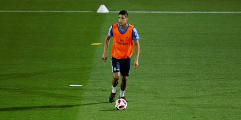 Zieke Varane mist training in Amsterdam
