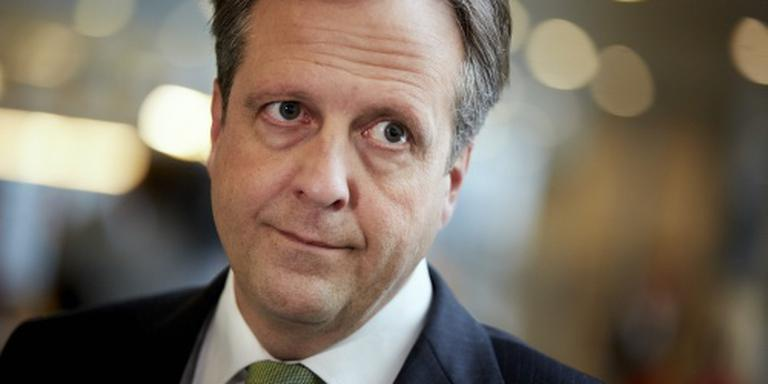 Oppositie windt zich op over fout minister