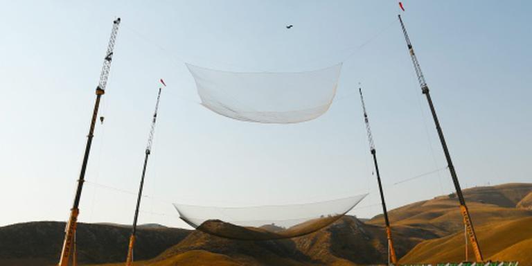 Skydiver ongedeerd na sprong zonder parachute