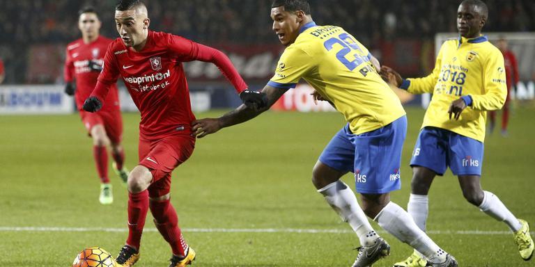 Het eredivisieduel tussen FC Twente en Cambuur (3-0) van 20 februari wordt door de KNVB onder de loep genomen vanwege afwijkend gokgedrag. FOTO HENK JAN DIJKS