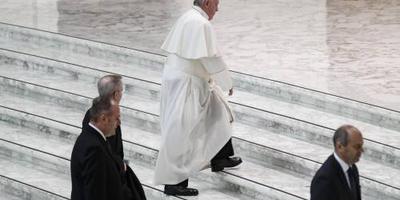 Paus opent conferentie over misbruik