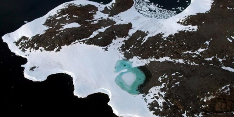 'Smeltende ijsbergen remmen opwarming aarde'