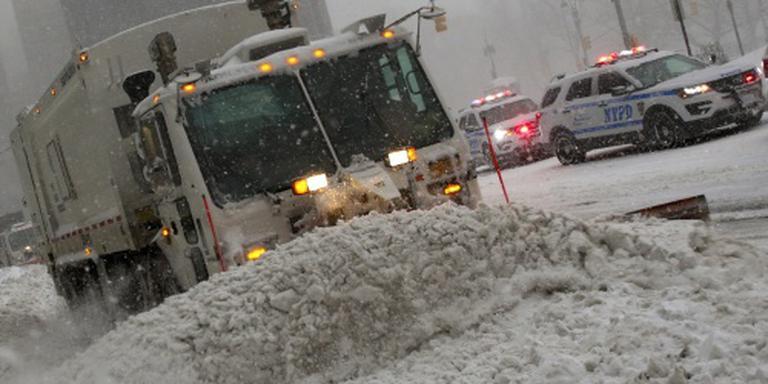 Dodental sneeuwstorm VS stijgt