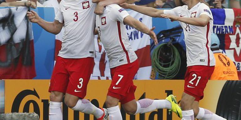 Milik schiet Polen naar zege