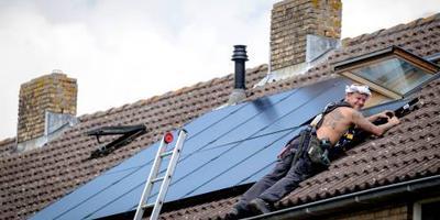 Helft van alle huizen in Nieuweschoot heeft straks zonnepanelen