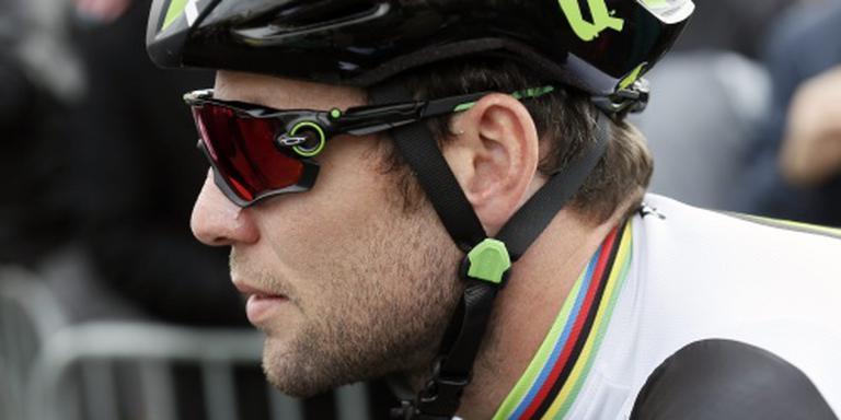 Cavendish in ploeg met drie Afrikanen
