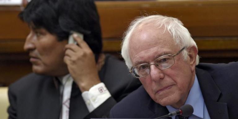 Sanders hekelt kloof tussen arm en rijk