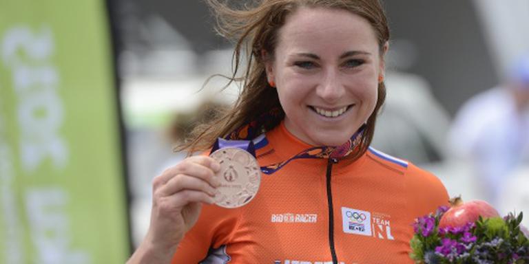 Van Vleuten Nederlands kampioene op tijdrit