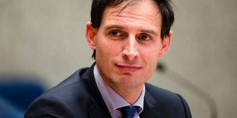 Minister: Van Lanschot, waak over draagvlak