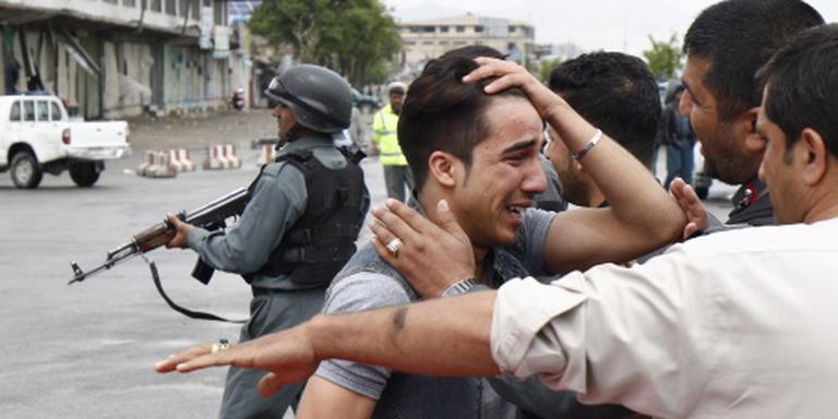 Dodental aanslag Kabul over de zestig