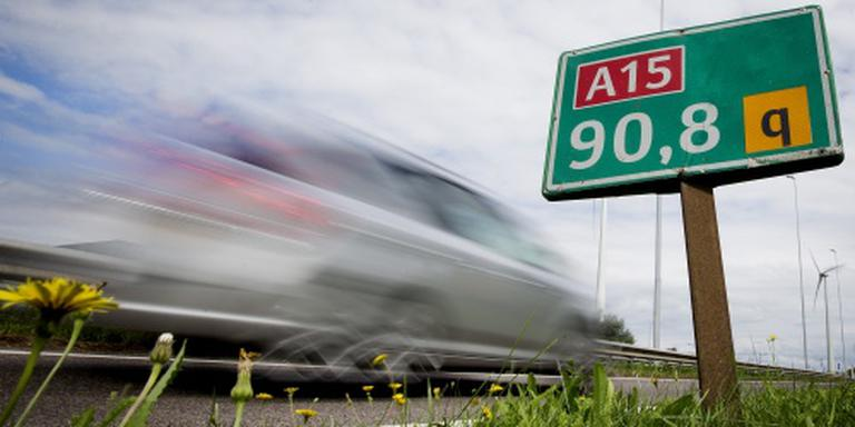 Dode bij ongeval op A15 richting Rotterdam