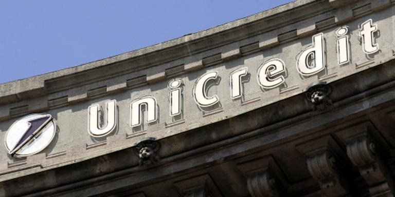 Italiaanse bank UniCredit voert winst fors op
