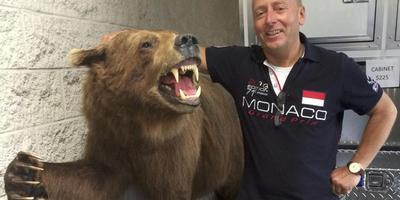 Arumer grizzly vast bij douane