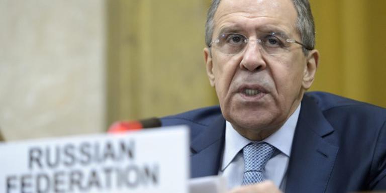 Lavrov waarschuwt weer voor chemische wapens