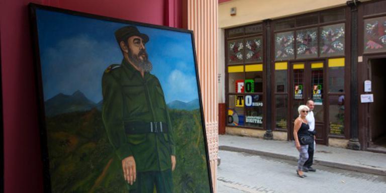 Fidel Castro verschijnt weer in openbaar