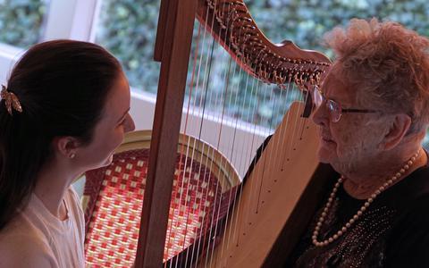 Embrace gaat meer muziek in de zorg introduceren