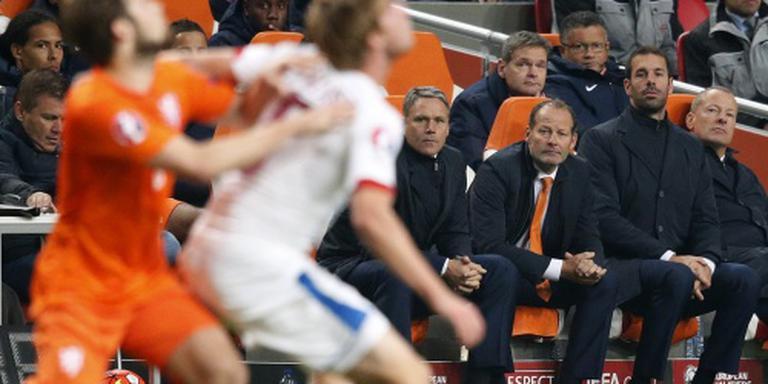Keeperstrainer Van Zwam weg bij Oranje