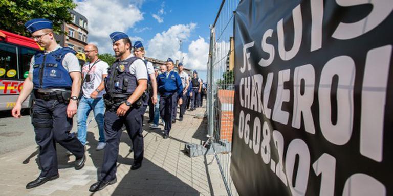 Agenten betonen eer aan collega's Charleroi