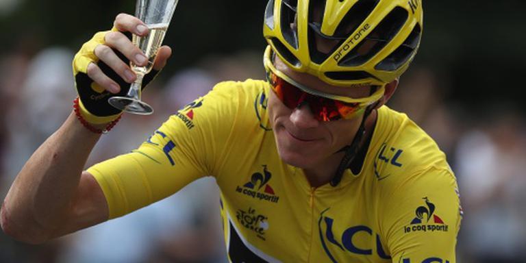 Froome kan aan de champagne.