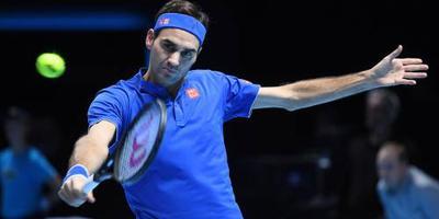 Federer na setwinst door naar halve finale