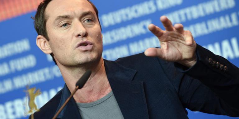 Jude Law in voorstelling Re:Creating Europe