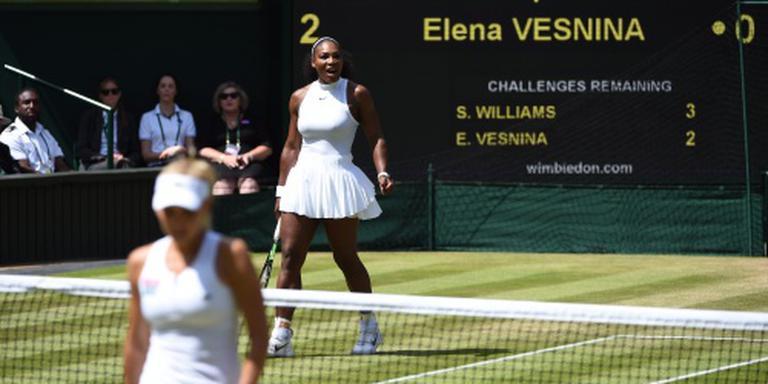 Serena Williams laat Vesnina kansloos