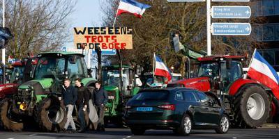 Honderden tractoren blokkeren wegen rond Malieveld