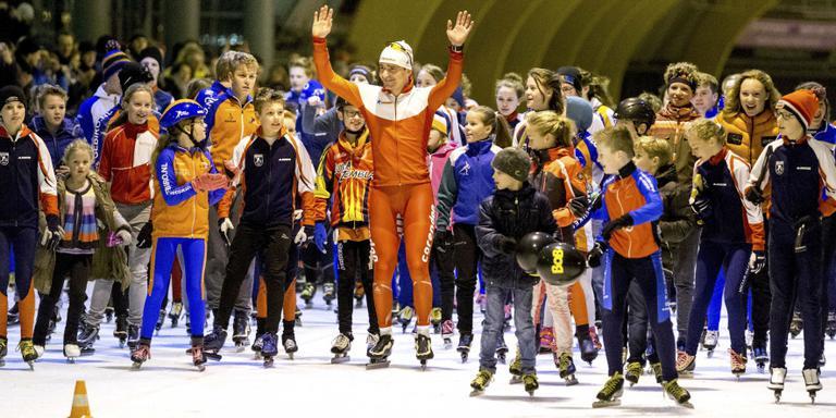 Bob de Jong neemt afscheid van zijn publiek in Haarlem. FOTO ANP/JERRY LAMPEN