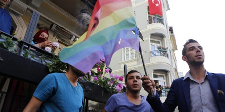 Politie Istanbul verjaagt betogers homorechten