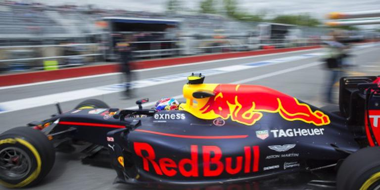 Verstappen vijfde, Hamilton op pole