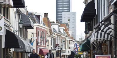 Kleine Kerkstraat nek aan nek in race leukste straat