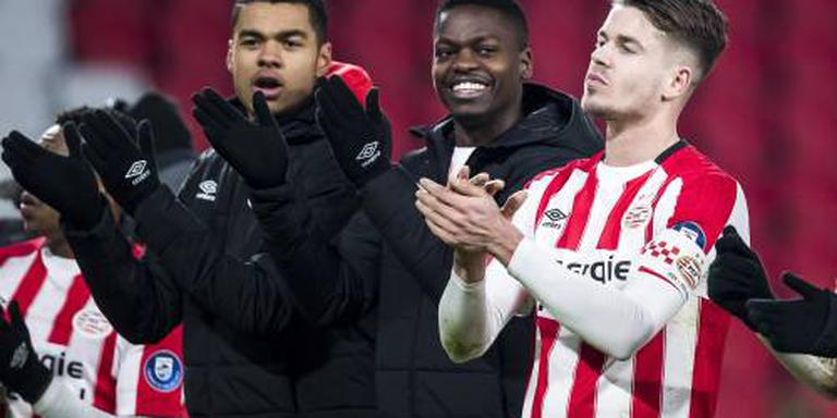 PSV legt talent Gakpo langer vast