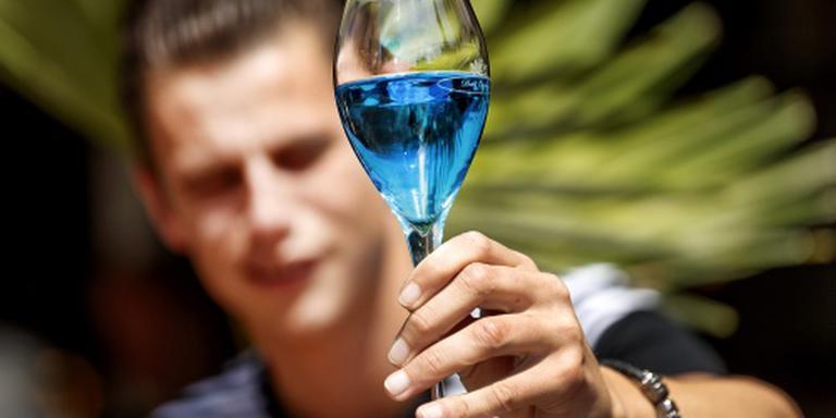 Kapper mag geen wijn schenken in Nieuwegein