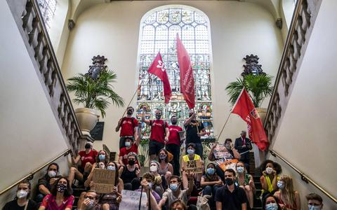 Studenten bezetten Academiegebouw Groningen wegens woningcrisis