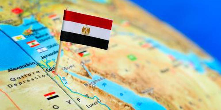 Brandstoftanks ontploft bij vliegveld Caïro