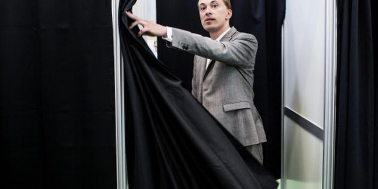 Deen stapt op als voorzitter EU-fractie