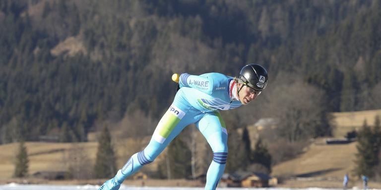 Jorrit Bergsma stijlvol op weg naar zijn zege op de Weissensee. FOTO NEEKE SMIT