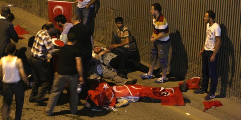 Ruim 300 doden bij couppoging Turkije