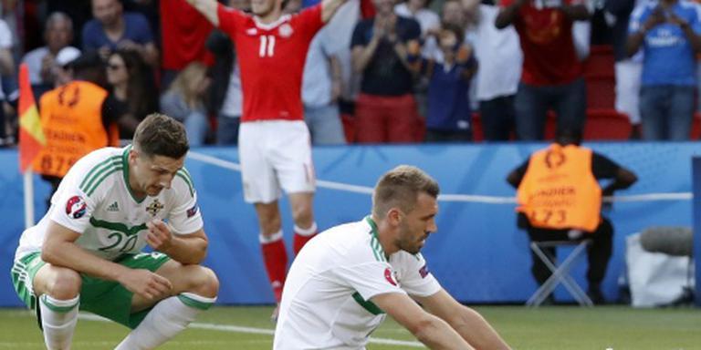 Noord-Ier McAuley helpt Wales naar kwartfinale