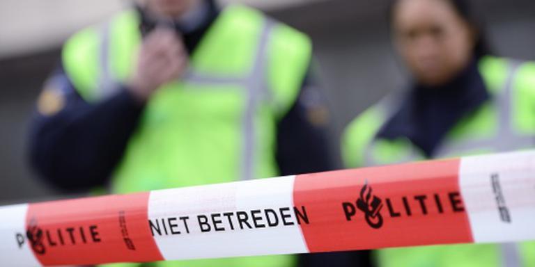 Vuurwerkbom door raam woning Velsen-Noord