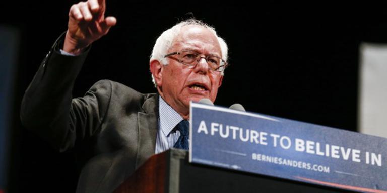 Sanders gaat tegen Clinton tot het gaatje