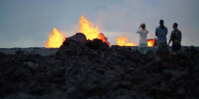 Vulkaan Kilauea blijft vuur spuwen