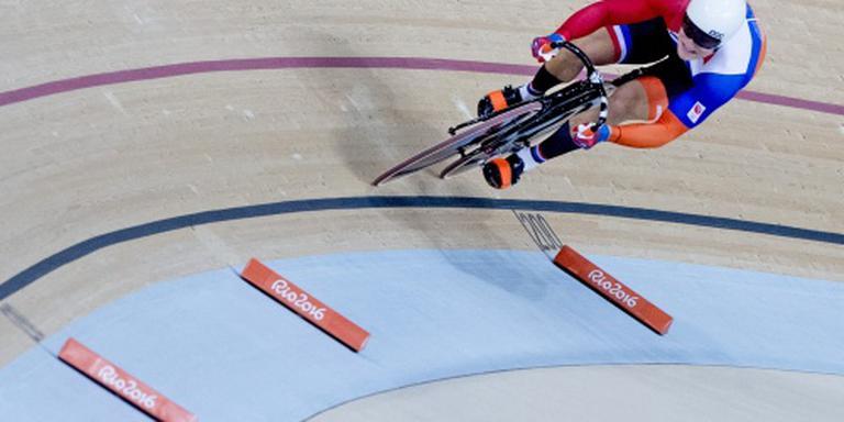 Hoogland naar laatste zestien op sprint