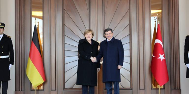 Berlijn en Ankara willen NAVO-hulp aan grens
