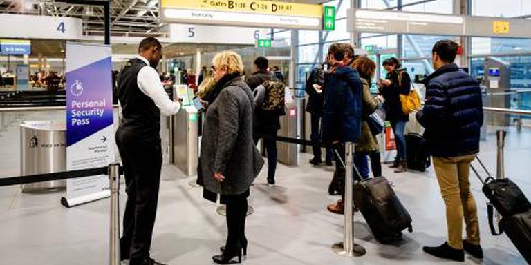 Beveiligers Schiphol mogen acties opschalen