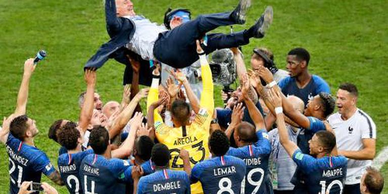 Deschamps blijft bondscoach Frankrijk