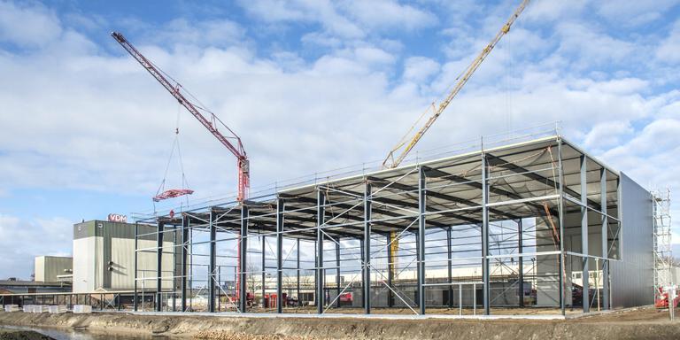 Het nieuwe pand van VDM in aanbouw. FOTO JILMER POSTMA