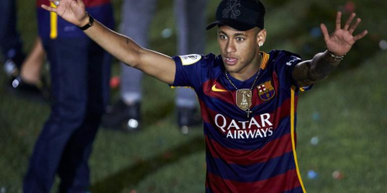 Barcelona schikt in fraudezaak Neymar