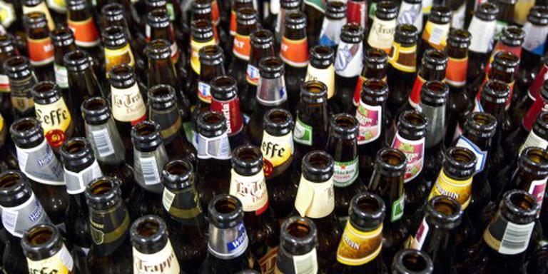 Levenslang stadionverbod voor flessengooiers
