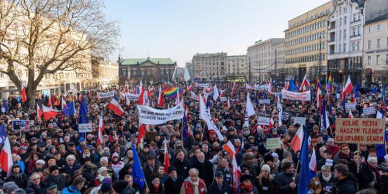 Tienduizenden Polen betogen voor vrije media